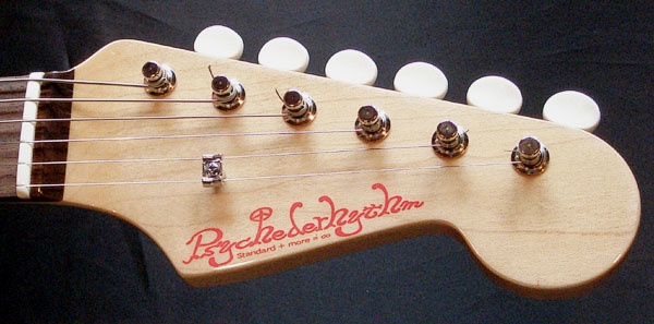 「Cream White」の「Traditionalcaster」が完成&発売ッ!_e0053731_2143133.jpg
