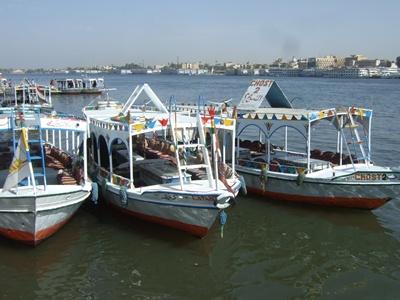 並ぶボート