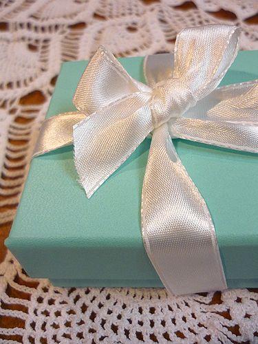 Tiffany & Co. 幸福のブルーボックス☆。..。.゚。*・。♡ ✛_a0053662_20504411.jpg
