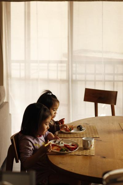 お食事中_f0149855_5442039.jpg