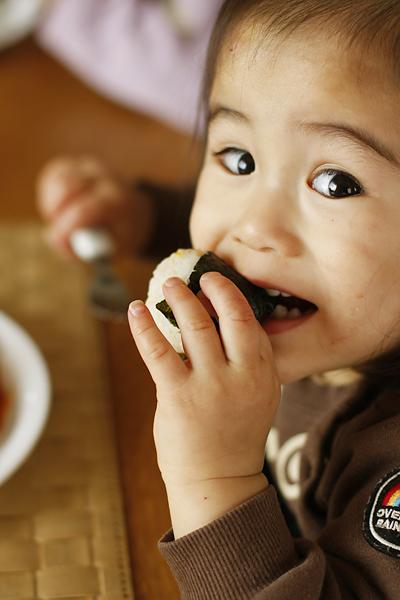 お食事中_f0149855_5542832.jpg
