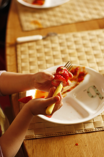 お食事中_f0149855_5545859.jpg