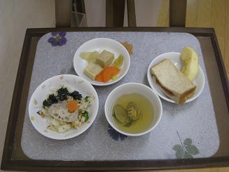 ひな祭りの給食_c0151262_15583938.jpg
