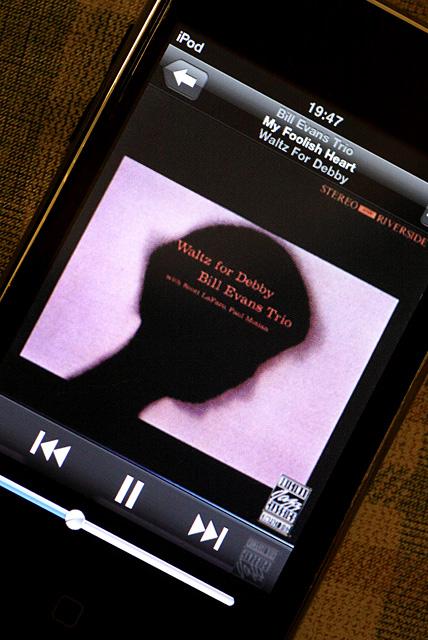 iPod Touch_b0067789_20173742.jpg