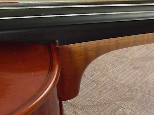 どっちが バロックヴァイオリン_c0185356_18305975.jpg