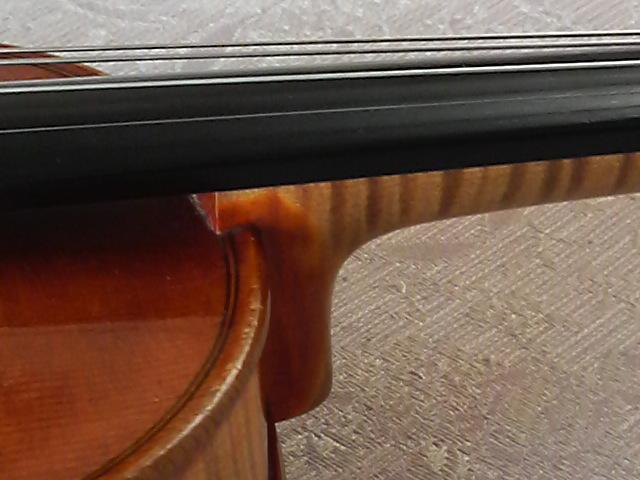 どっちが バロックヴァイオリン_c0185356_18305991.jpg