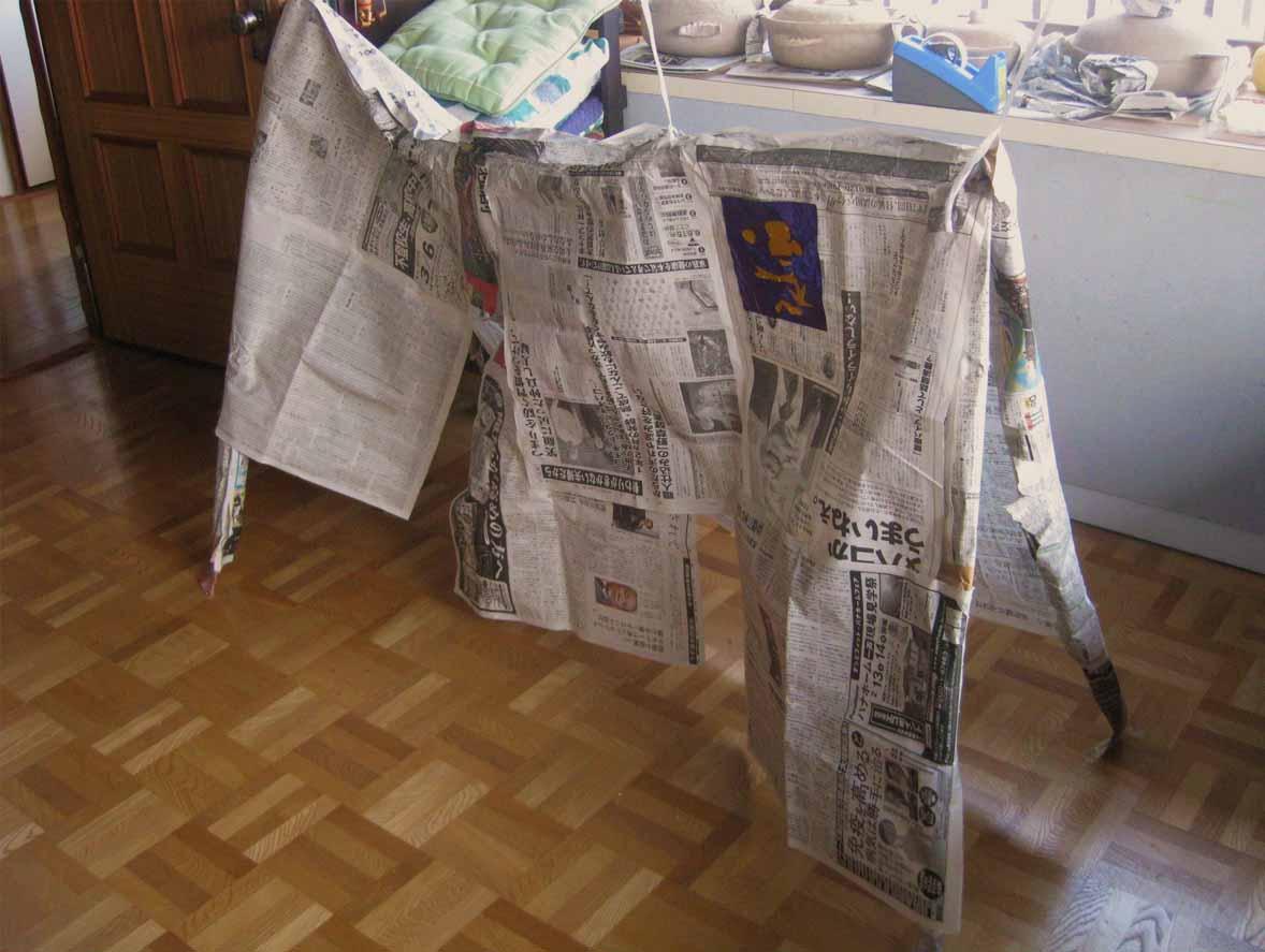新聞紙をつかって  ・幼児クラス_f0211514_18121869.jpg