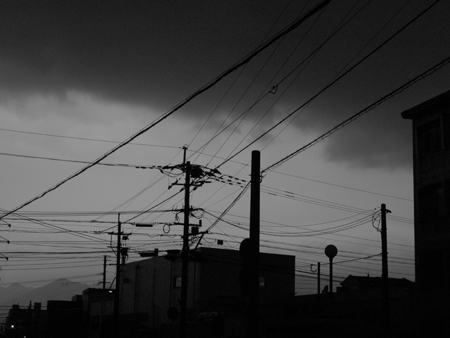 夜のように暗い朝_a0097735_271216.jpg