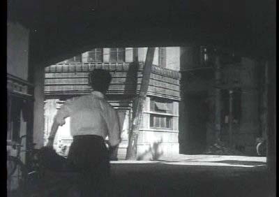 メイン・タイトル by 飯田信夫(新東宝映画『暁の追跡』より その2)_f0147840_2345314.jpg