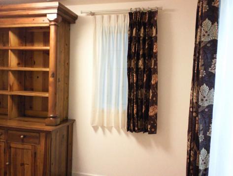 ウィリアムモリスのカーテン『クリサンセマム』と『ウィンドラッシュ』_c0157866_23562831.jpg