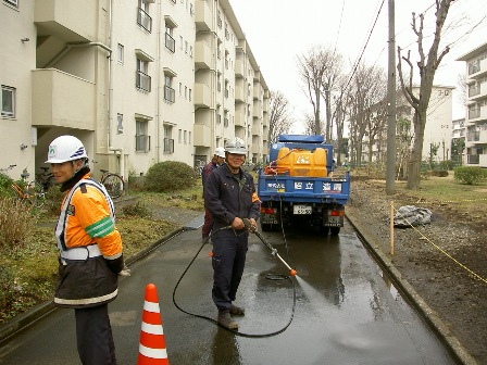 国立富士見台第二・第三団地 工事始まりました★_b0172896_87309.jpg