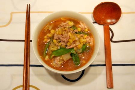野菜たっぷり☆ ツナコーン味噌ラーメン_f0141419_5514758.jpg