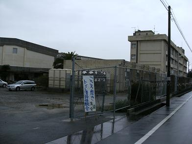 泉佐野市立第三中学校_e0180838_2136218.jpg