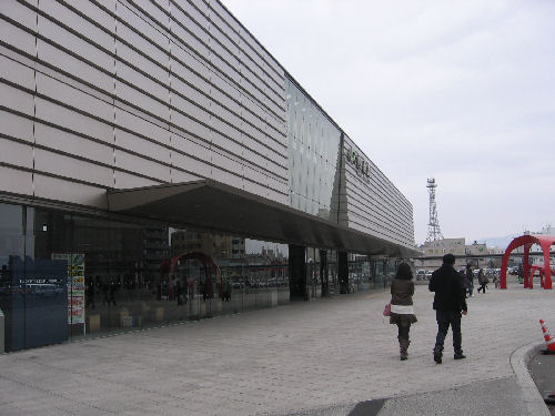 ロマンチック函館リベンジおひとり旅行♪ その7 「函館駅までお散歩♪」_f0054260_8285775.jpg