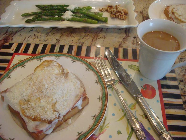 今朝はオープントースト、チーズがとろり、_d0100880_1136384.jpg