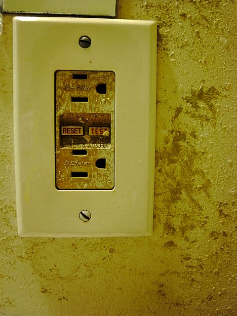 LIGHT & SWITCH_b0132101_19153790.jpg