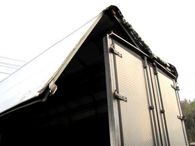 トラック ウイング修理_e0169210_926339.jpg