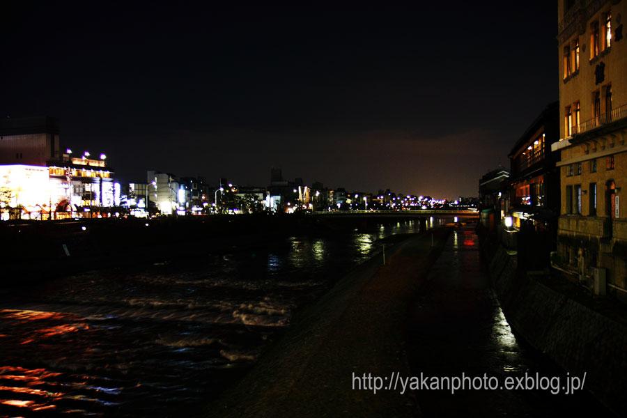 京都研修旅行 ~屋根、鬼瓦撮影記~ 夜スナップ_b0157849_19463828.jpg