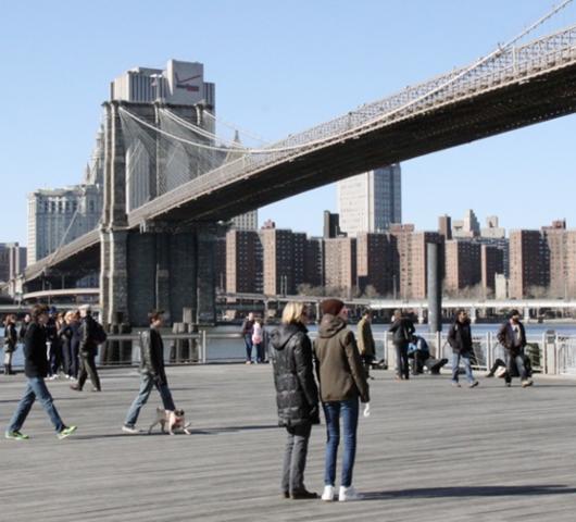 ブルックリン・ブリッジのボードウォーク_b0007805_1256596.jpg