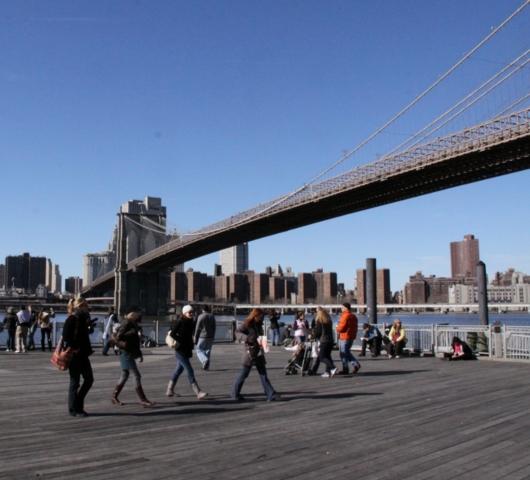 ブルックリン・ブリッジのボードウォーク_b0007805_13162143.jpg