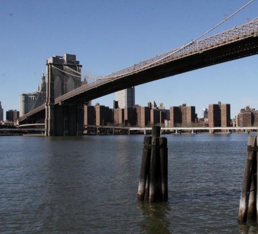 ブルックリン・ブリッジのボードウォーク_b0007805_1394324.jpg