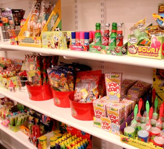 DUMBOにできた可愛いキャンディー屋さん、DEWEY\'S CANDY_b0007805_22343438.jpg