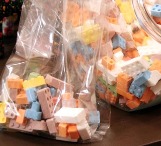 DUMBOにできた可愛いキャンディー屋さん、DEWEY\'S CANDY_b0007805_22345085.jpg