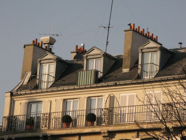 サンジェルマンデプレからルーヴルへ(Rue Bonaparte-パリ左岸〜右岸)_f0119071_1153422.jpg