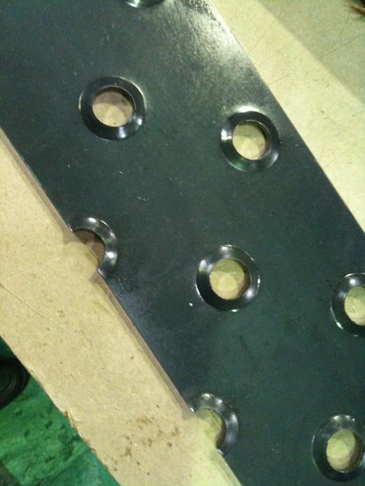 アンチスリップ鋼板の切断_d0085634_1615535.jpg