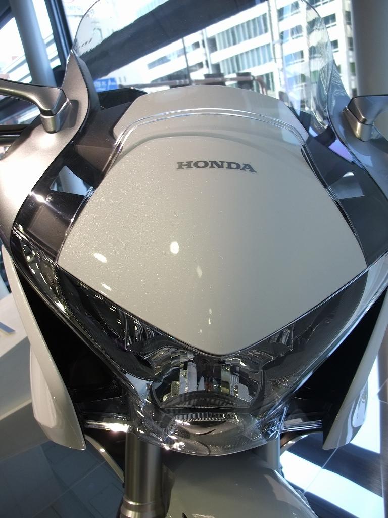 V4&直4 Hondaの本気_f0050534_8341570.jpg