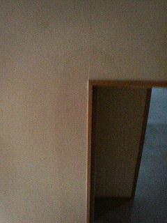 壁の水しみのその後_d0005380_1403359.jpg