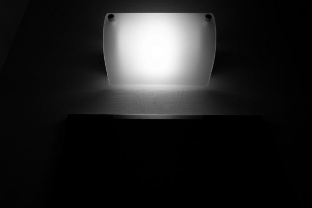 a light and a mirror_e0174281_21403630.jpg