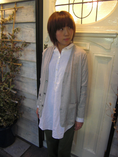 ロングシャツ+カーデ。。_a0113127_20235393.jpg