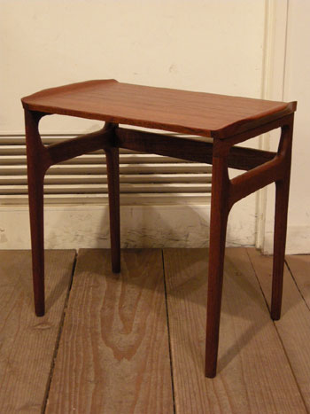 Nesting Table (DENMARK)_c0139773_1983582.jpg