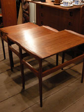 Nesting Table (DENMARK)_c0139773_199177.jpg