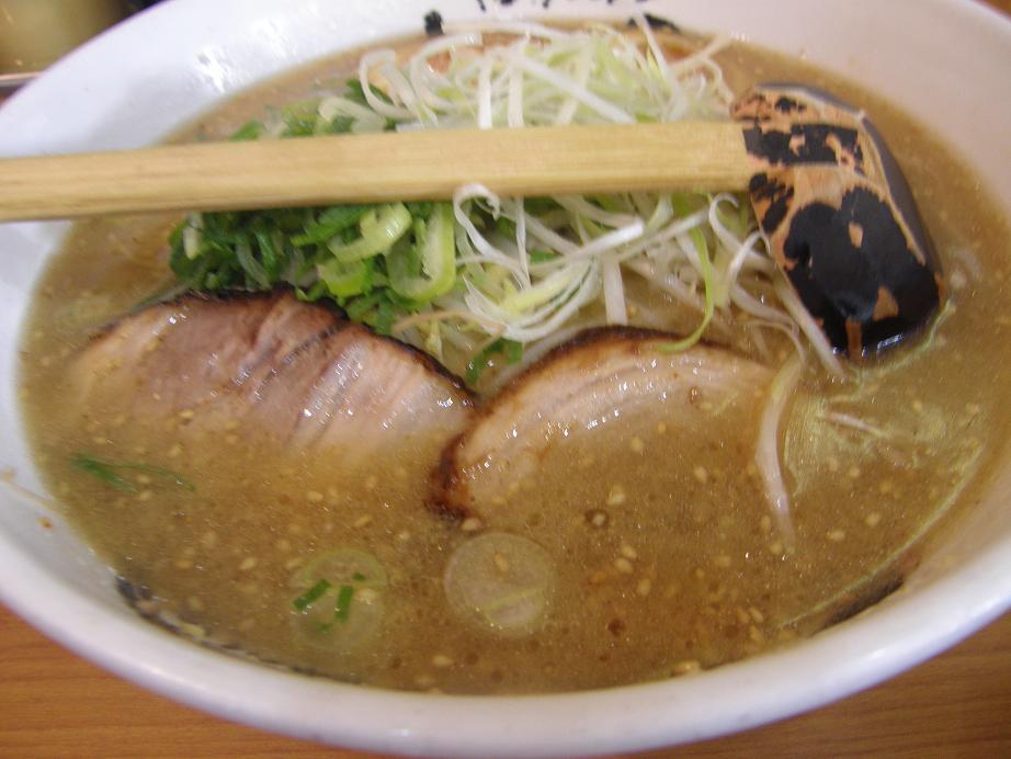 博多ラーメンげんこつ 川西店_c0118393_12551871.jpg