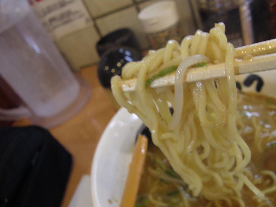 博多ラーメンげんこつ 川西店_c0118393_133628.jpg