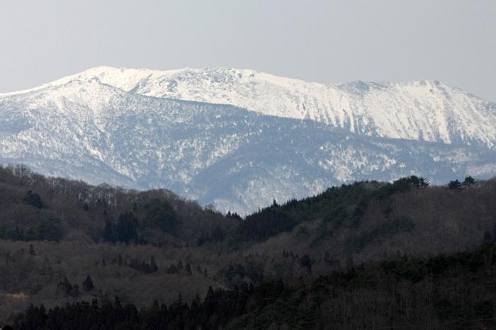須川岳と早池峰_a0087133_2252055.jpg