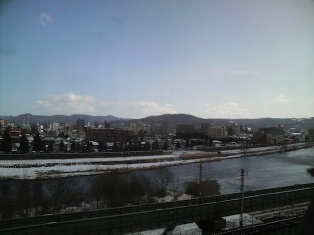 新幹線の窓から見える県令邸_a0141072_23413476.jpg