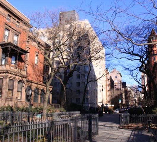 ブルックリン・ハイツは映画のセットみたいになってます_b0007805_12293951.jpg