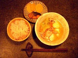 今日の夕飯は味噌汁_e0166355_1804579.jpg