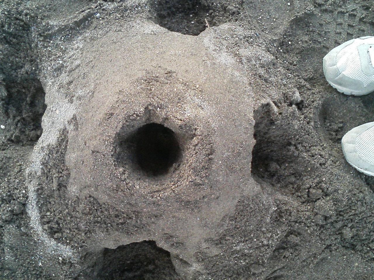 砂場にて…_f0214534_8335499.jpg