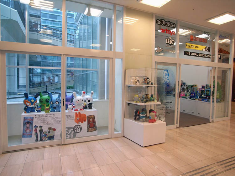 Pop-up Shop開店直前のショットです。_a0077842_20295079.jpg
