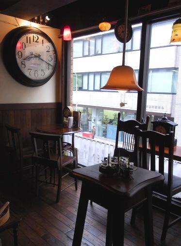 ☆antiqueなセンスが光る喫茶空間・・・「時・・」_b0189667_16442224.jpg