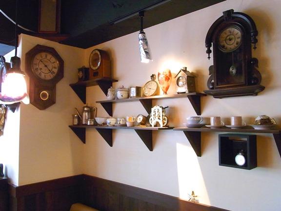 ☆antiqueなセンスが光る喫茶空間・・・「時・・」_b0189667_1654251.jpg