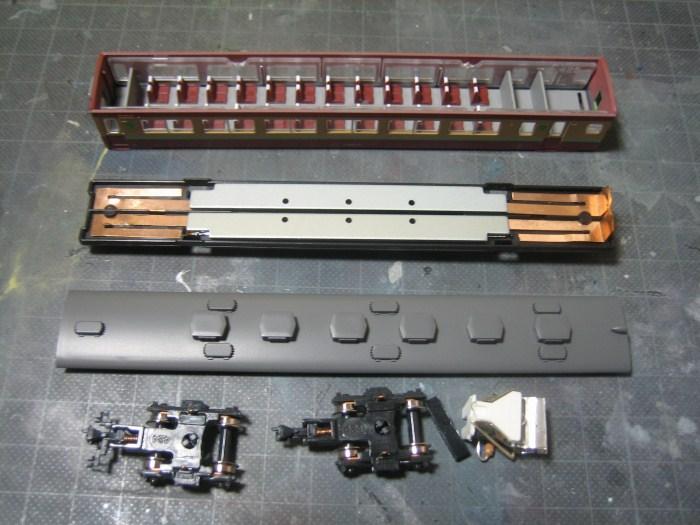 KATOの457系の台車をビス止め化_e0120143_2256132.jpg