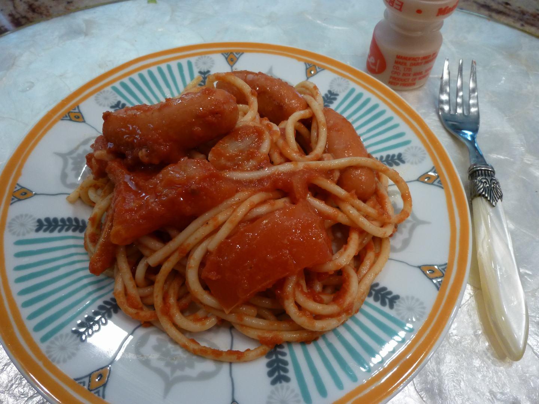 その次はタコのトマトソース・スパゲティー、_d0100880_3161978.jpg