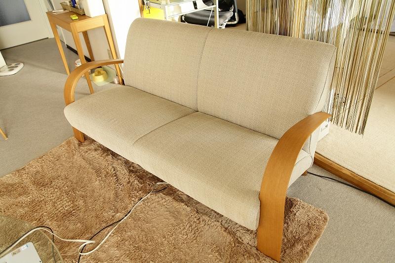 ソファーは日進木工 ファブリックの良いものをやっと見つけた_a0160581_1702653.jpg