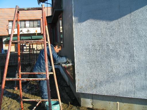 外壁の中塗り_f0117498_18502534.jpg