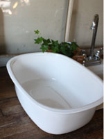 野田琺瑯 楕円型洗い桶_c0118809_2295679.jpg
